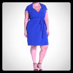 ☀️NWT☀️Sharagano Wrap Front Dress